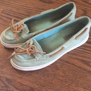 Skimmer Style Sperry Deck Shoes